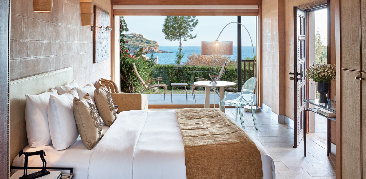 deluxe-bungalow-with-private-pool-in-cape-sounio-beach-resort