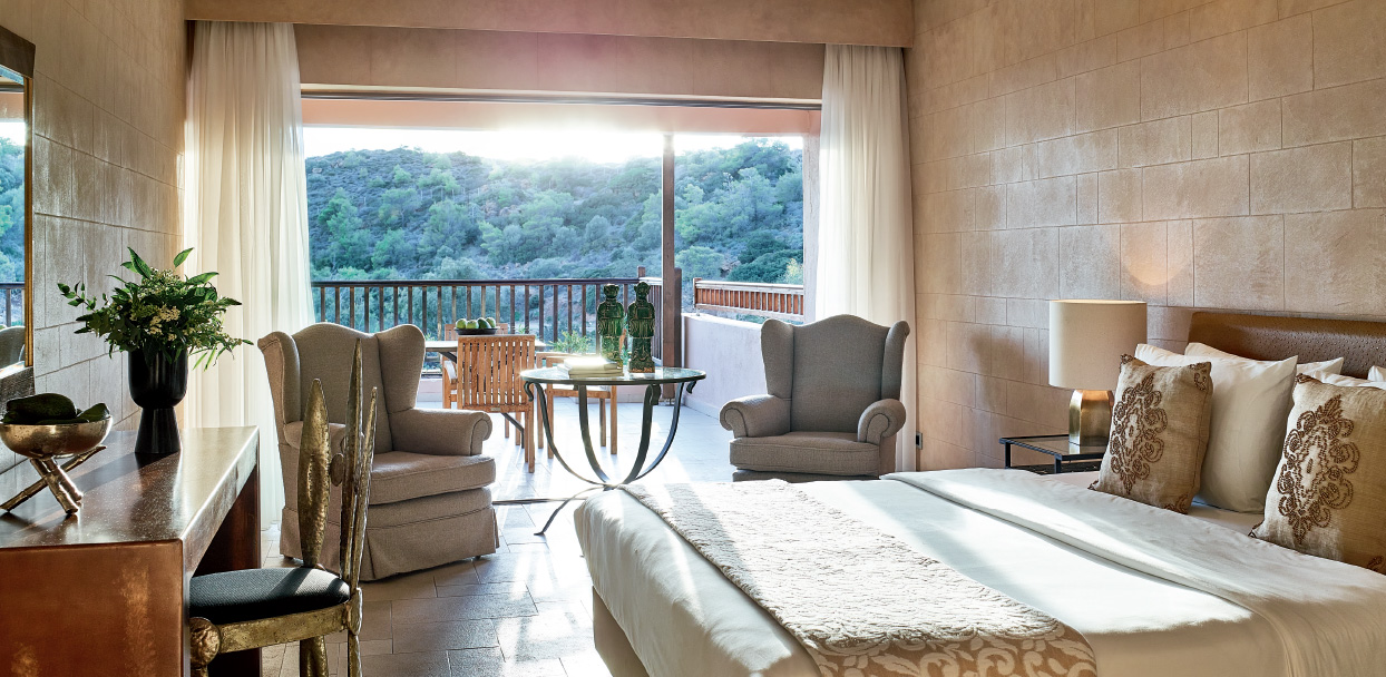 family-room-in-cape-sounio-resort-in-athens