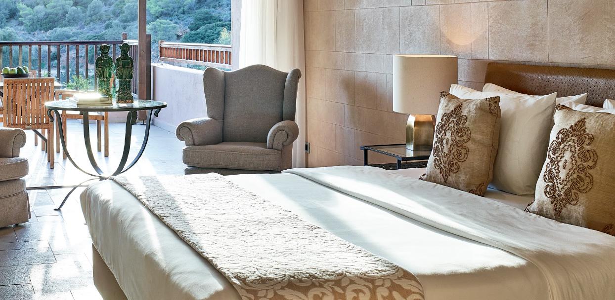superior-family-room-in-cape-sounio-resort