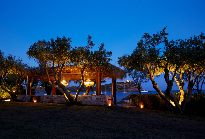 02-dining-at-cape-soubio-resort-athens