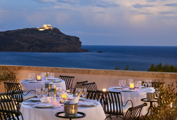 06-restaurant-temple-of-poseidon-view-cape-sounio