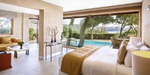 cape-sounio-famous-class-suites-and-villas-accommodation