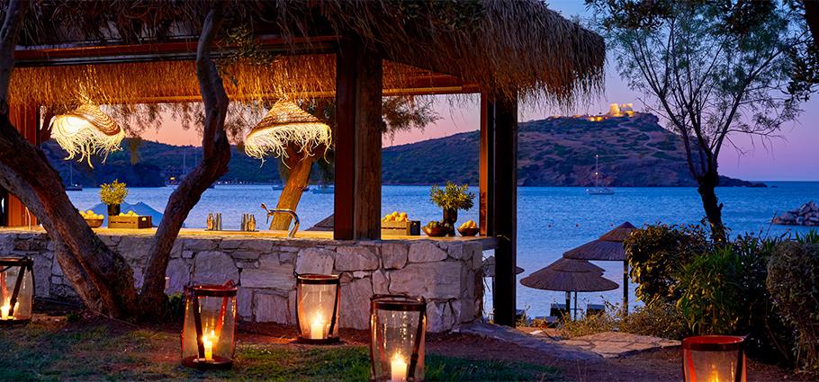03-grecotel-cape-sounio-beach-bar-services