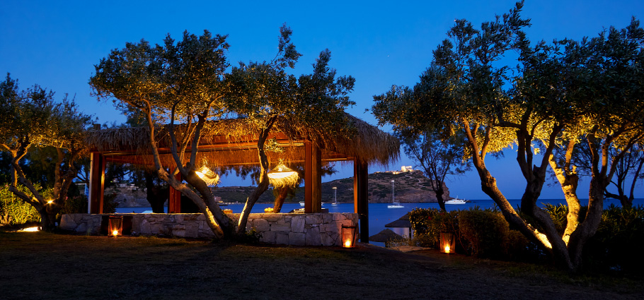 04-grecotel-cape-sounio-beach-bar-services