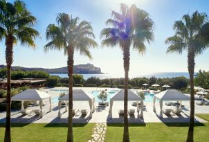 27-pools-with-gazebos-and-beach-with-temple-of-poseidon-views