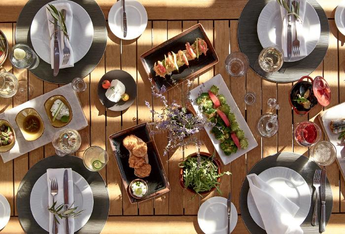 02-aegean-pool-restaurant-and-bar-in-cape-sounio-resort