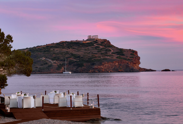 02-seafood-on-the-waterfront-in-cape-sounio-waterfront-resort